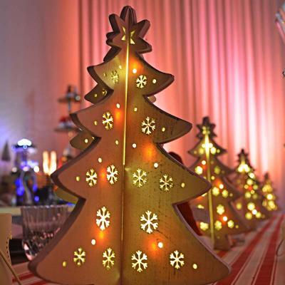 Lumi in Aria, albero con luci di Natale per la tavola