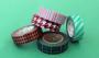 Albero di natale fai da te con nastri adesivi, da Brit+Co