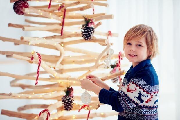 Albero di Natale minimalista, fai da te