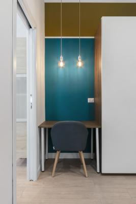 Dettaglio angolo studio in camera da letto - arch. Felicetti