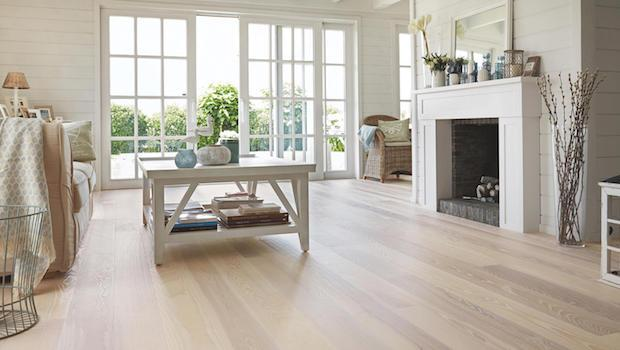 Parquet in rovere white sand - Foto by Tarkett