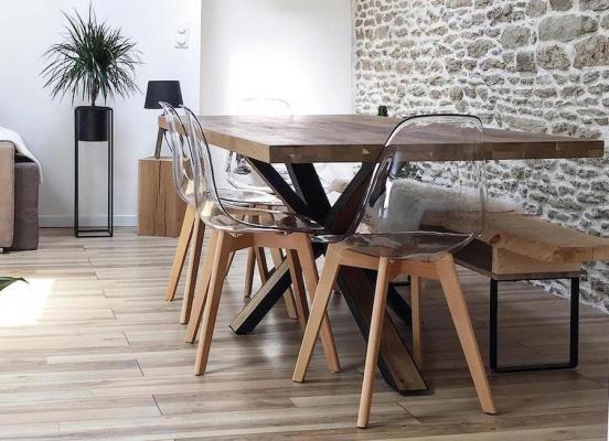 Sedia Easy con struttura in legno chiaro - Foto by Westwing