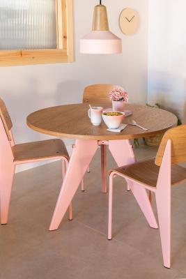 Tavolo e sedie in legno And di SKLUM
