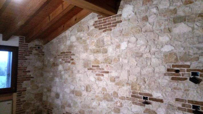 Rivestimento in pietra muro interno - Pellizzari