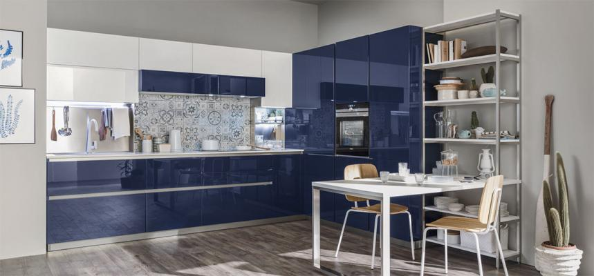 Cucina Lounge di Veneta cucine nel colore Blu Navy