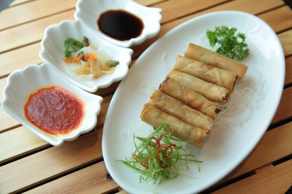 La cucina cinese ha bisogno di molte ciotole differenti