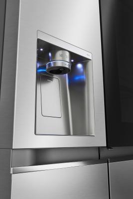 Frigo InstaView Door-in-Door: dispenser - Foto by LG