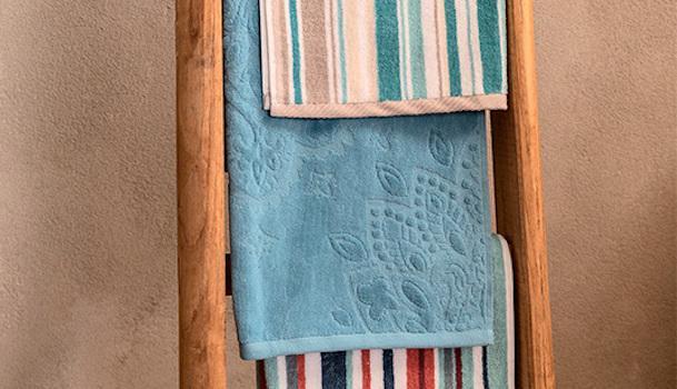 Asciugamani colorati e tinta unita - Foto by Coincasa