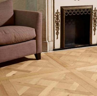La posa parquet quadrata è molto adatta ad ambienti classici