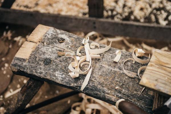 Scegliere gli artigiani per i mobili su misura non solo dal prezzo