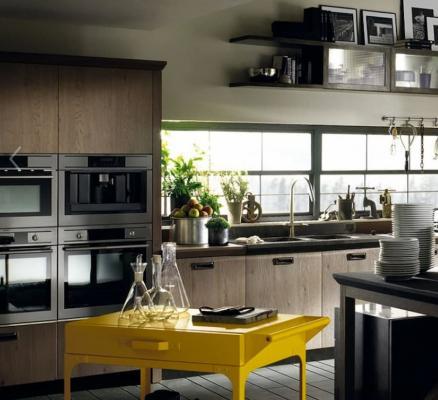 Scavolini Diesel Social Kitchen, industrial style con un elemento giallo