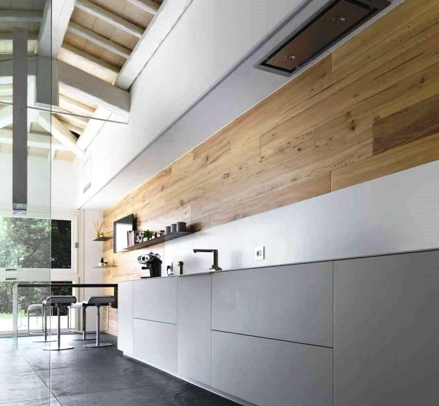 Rivestimento legno di olmo parete cucina - Cadorin