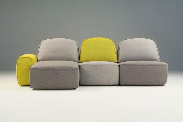 Divano modulare Lazy, giallo e grigio - Foto by Studio Pastina