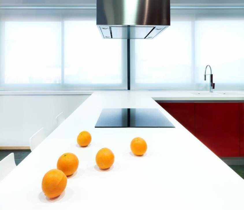 Piano di lavoro cucina antibatterico in KRION®