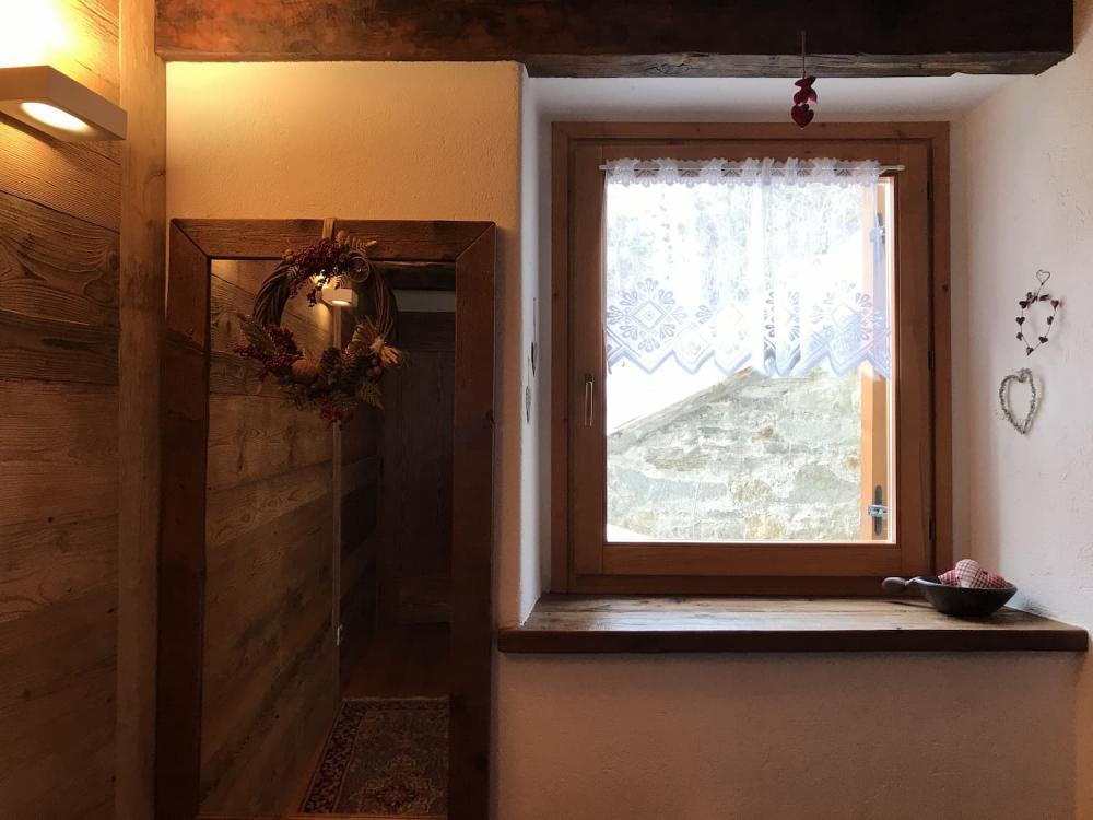 Arredamento casa montagna - rivestimenti e arredi in legno