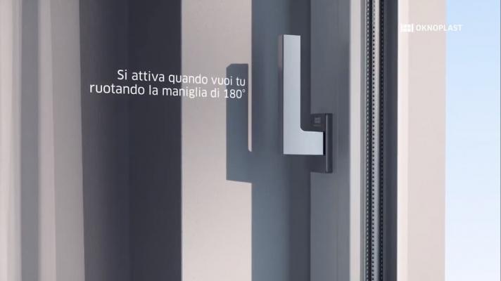 Finestra con sistema di microventilazione perimetrale, Oknoplast, WindAIR