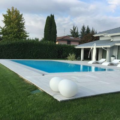 Casa con piscina AstralPool