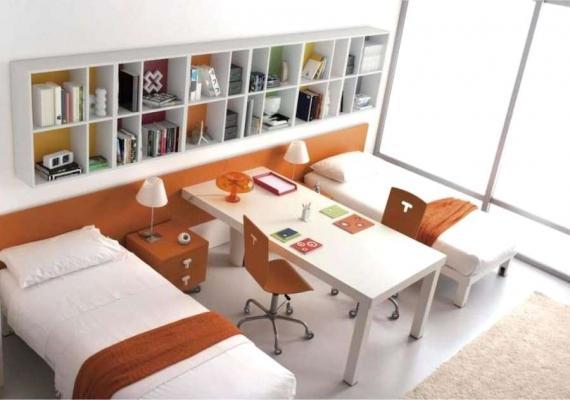Cameretta 2 letti e scrivania - Camerette.net