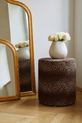 Specchi Muriel e pouf Daisy, New Heritage - Foto: Westwing