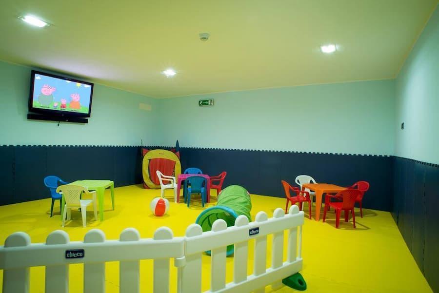 Pavimento in PVC autoposante area giochi - ludoteca