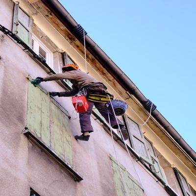 Ispezione facciata con esposizione a rischi incolumità