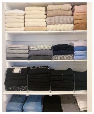 Ordinare armadio per colore, da popsugar.com
