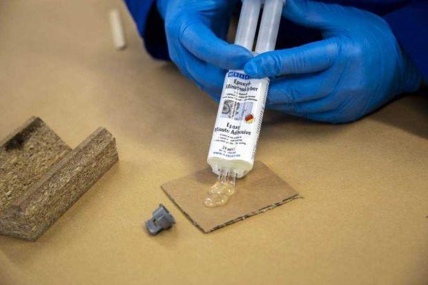 WEICON metal epoxy glue application