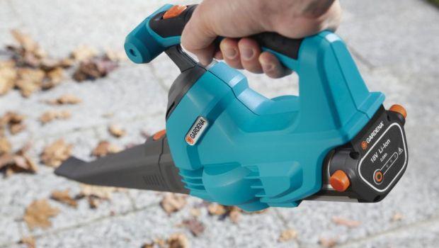 Soffiatore aspiratore elettrico e a batteria per rimuovere le foglie in giardino