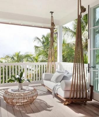 Anche un dondolo può essere un ottimo spazio relax outdoor - Pinterest
