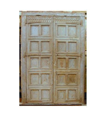 Portoncino antico a due battenti con decorazione a cassettoni, by Simone Marro