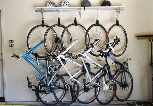 Vélos suspendus dans le garage, de sneakerschampion.top