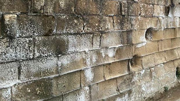 Risanamento e protezione murature di tufo