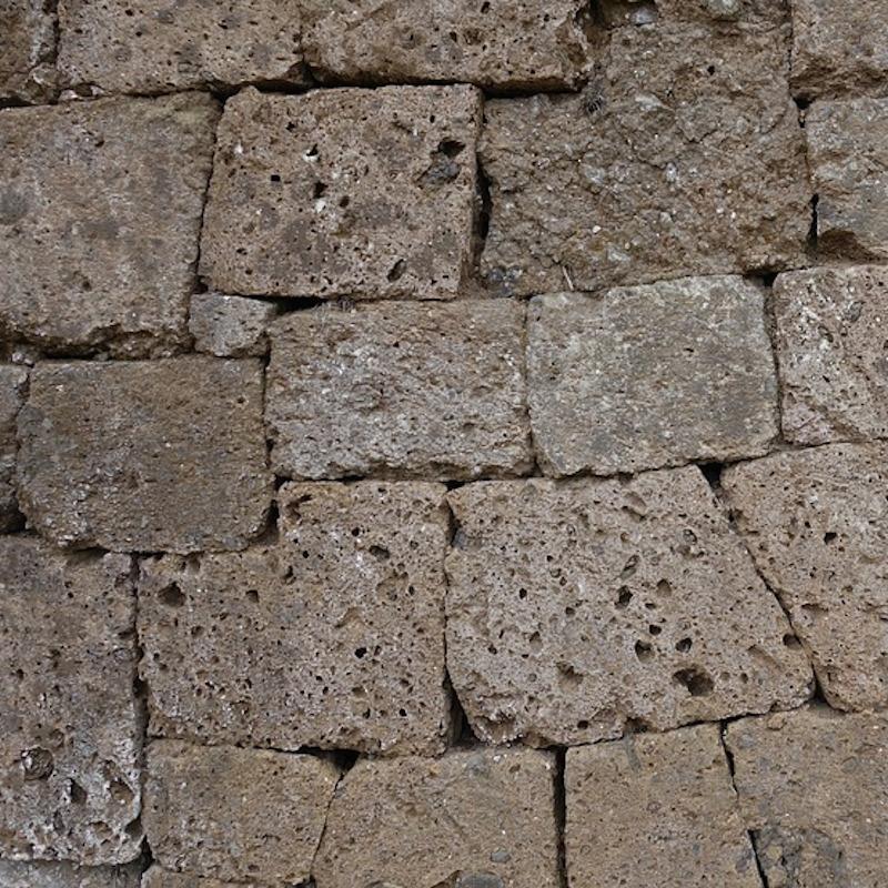 Tufo etrusco facciavista