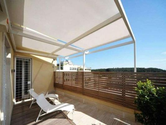 Terrazzo con tenda parasole - Festa Tende
