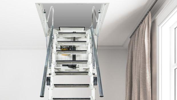 Sicurezza a ogni passo con le scale retrattili motorizzate