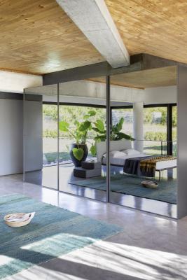 Armadio con ante a specchio, Nova mobili, modello Crystal