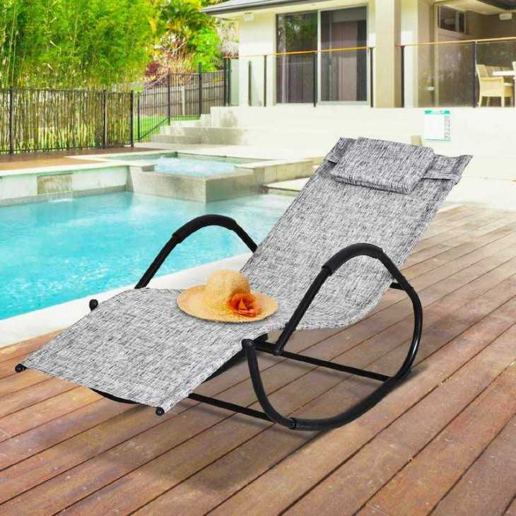Outsunny rocking chair - Photo: eBay