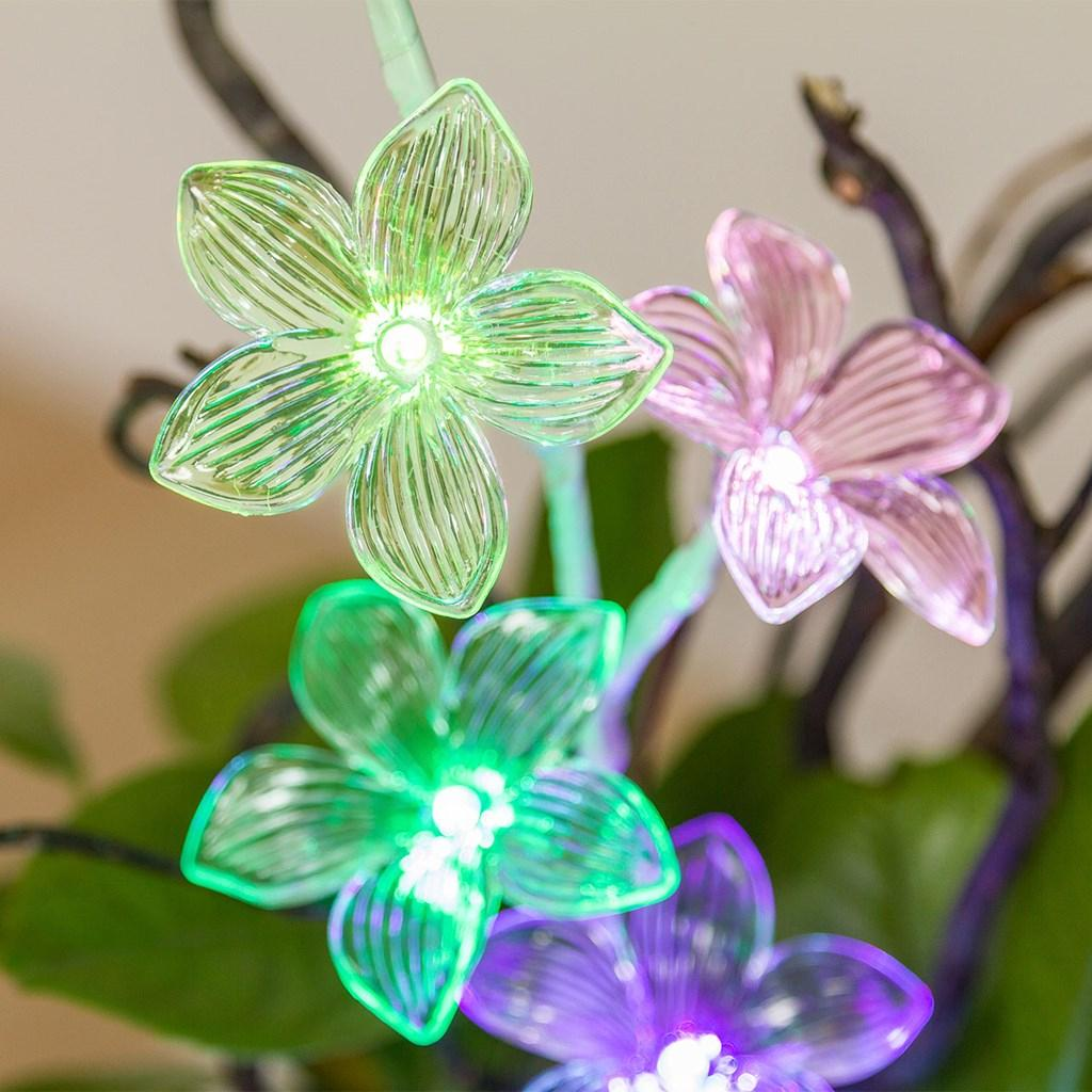 Ramo floreale con led di Luminal Park