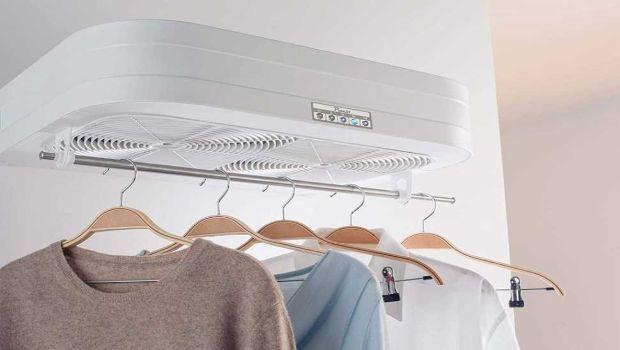 Uno stendibiancheria elettrico per vestiti puliti e profumati