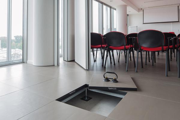 Pavimento flottante - Schneider Electric