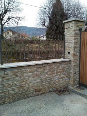 Rivestimento muro di cinta con pietra beola bianca - Beole Marmi Pelganta