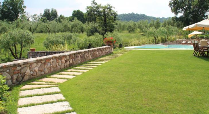 Pavimentazione con lastre di Travertino - Appia Antica Srl