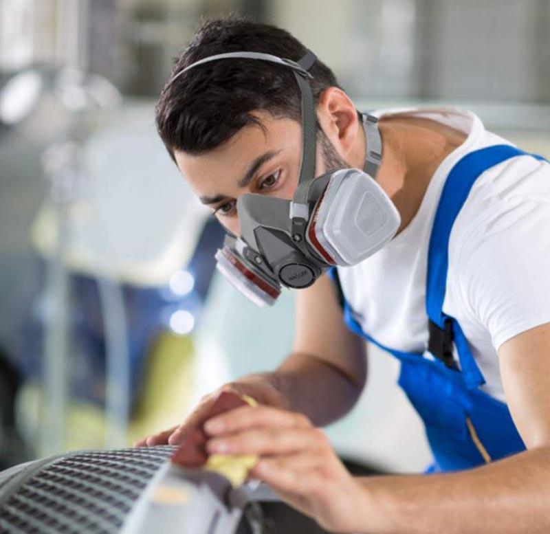 Importante utilizzare una mascherina per lavori di levigatura