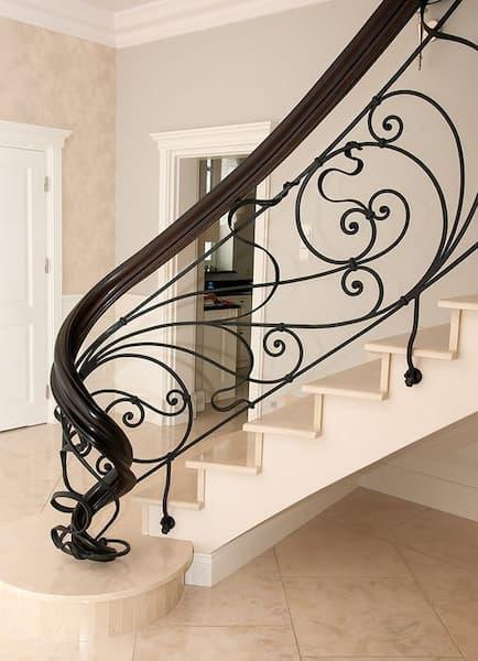 Barandilla de hierro con diseño clásico - Pinterest