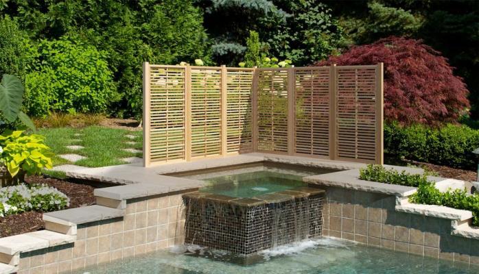 Divisori giardino: grigliati legno Aquilani