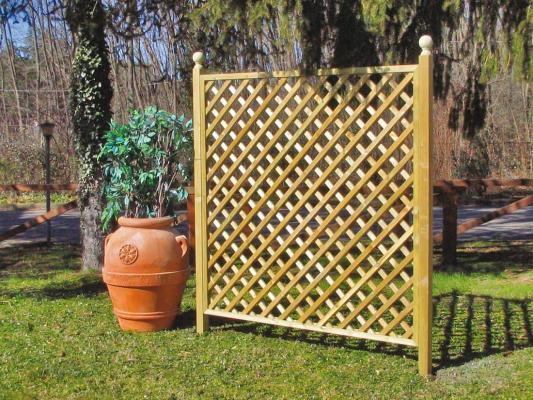 Grigliato in legno da giardino - Aquilani