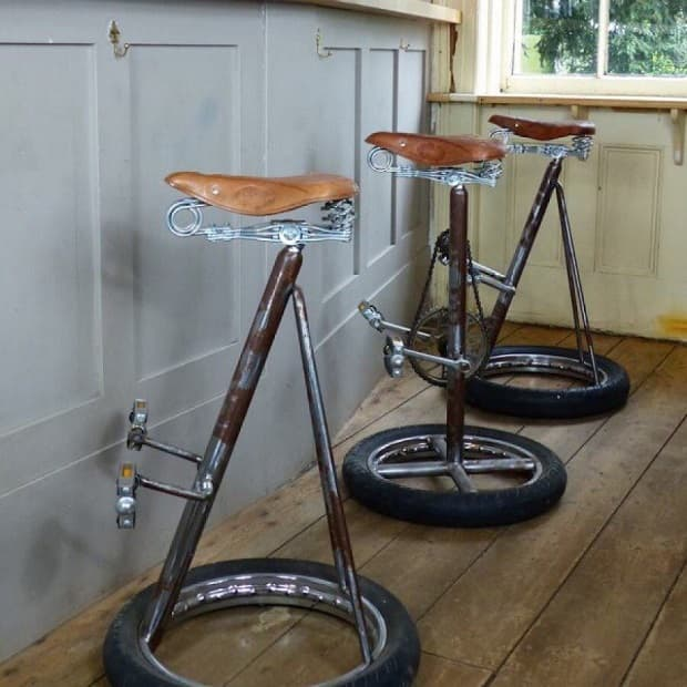 Taburetes con sillines de bicicleta, de smithersofstamford.com
