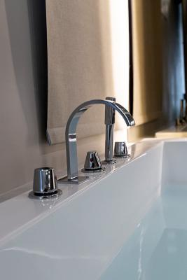 Casa vacanze al mare: rubinetteria vasca - Foto: Francesca Macellari