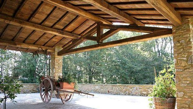 Come realizzare una tettoia in legno