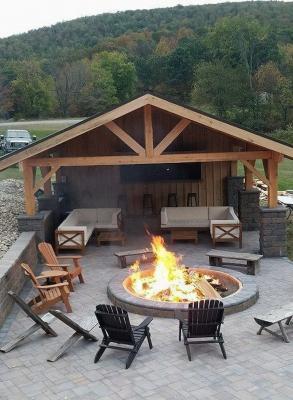 La tettoia in legno può diventare una stanza per il relax in outdoor - Pinterest